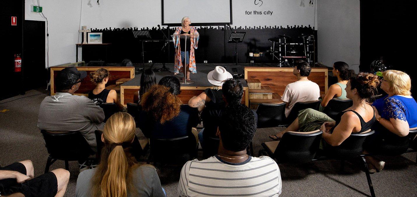 crowd view community meeting 2